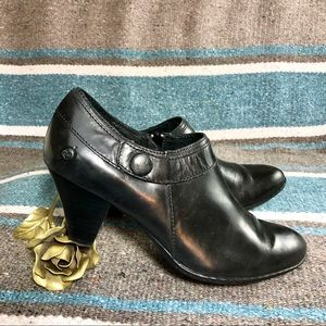 Born black ankle booties boots 8.5